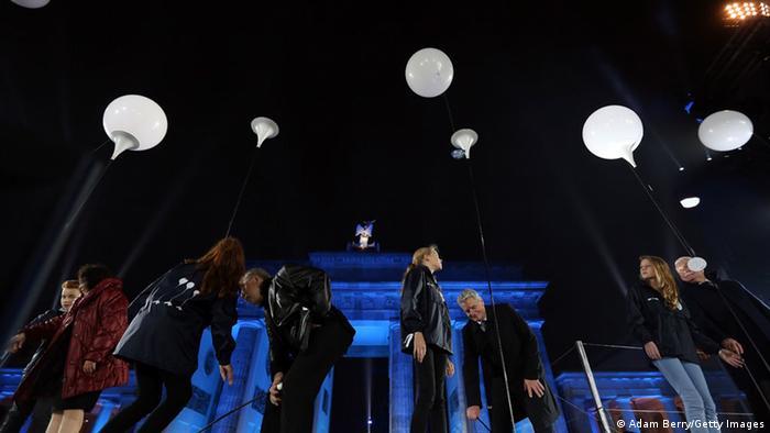 Berlin Feierlichkeiten 25 Jahre Mauerfall Ballons