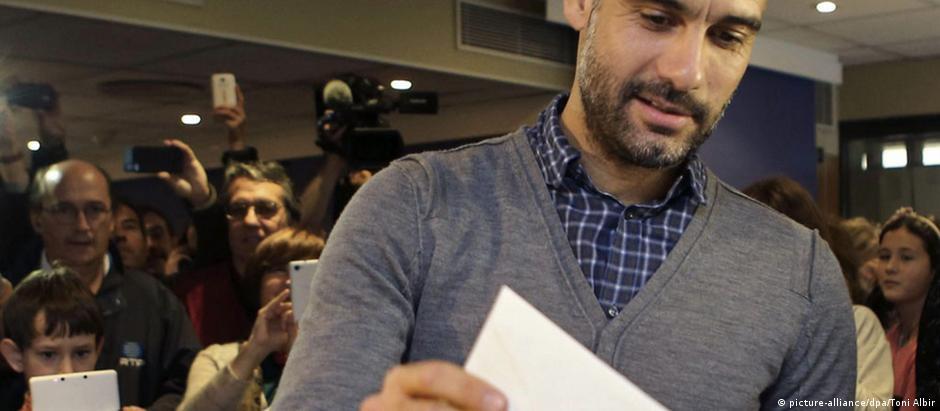 Pep Guardiola participou da consulta simbólica sobre a independência da Catalunha, realizada em novembro