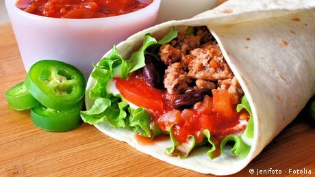Wrap mit Gemüse und Hackfleisch