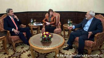 Oman Iran USA Treffen John Kerry und Catharine Ashton mit Mohammad Javad Sarif in Muskat