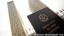 ARCHIV - Die beiden Türme des Europäischen Gerichtshofs (EuGH), aufgenommen am 26.01.2012 in Luxemburg. Das umstrittene Programm der EZB zum Kauf von Staatsanleihen beschäftigt an diesem Dienstag (14.10.) den Europäischen Gerichtshof in Luxemburg. Foto: Thomas Frey/dpa (zu dpa vom 14.10.2014) +++(c) dpa - Bildfunk+++