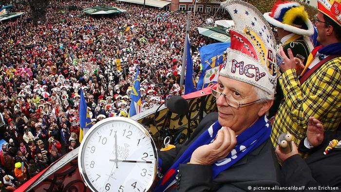 Bildergalerie Karneval 2014 Mainz (picture-alliance/dpa/F. von Erichsen)