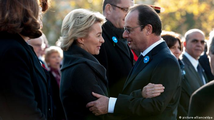 Paris: Hollande and von der Leyen