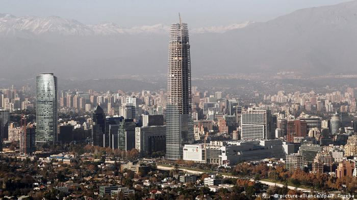 Turm Gran Torre Santiago in Chile