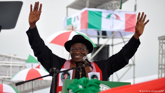 Nigerian President Goodluck Jonathan addressing supporters at a campaign rally