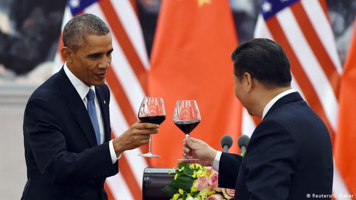 Barack Obama und Xi Jinping in Peking 12.11.2014 (Reuters/G. Baker)