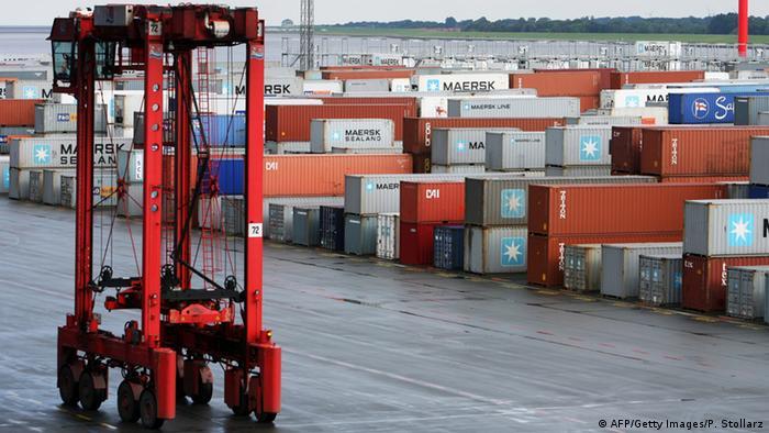 El descenso de las exportaciones y el desconcierto en las empresas tras el shock de la salida del Reino Unido de la UE frenaron el crecimiento en Alemania en el tercer trimestre del año. (24.11.2016)