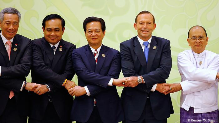 Myanmar Asean-Gipfel in Naypyidaw Gruppenbild