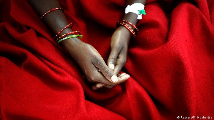 Indien Frauen Massensterilisation 13.11.2014 (Reuters/M. Mukherjee)