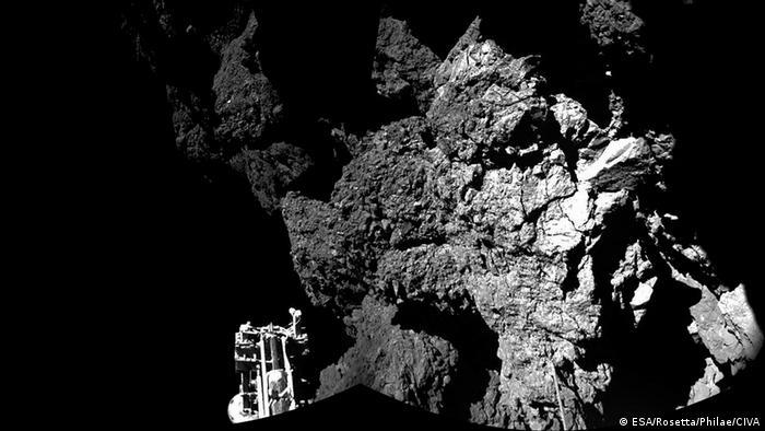 Philae auf dem Kometen Tschuri Copyright ESA/Rosetta/Philae/CIVA)