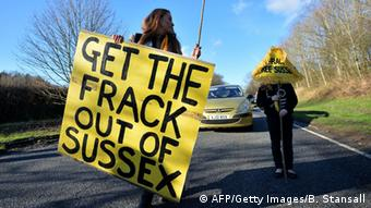 Anti-fracking protest in Britain (Photo: BEN STANSALL/AFP/Getty Images)