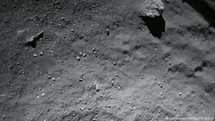 Raumfahrt ESA Weltraumsonde Rosetta Philae 40 m vor Landung Tschurjumow-Gerassimenko Komet