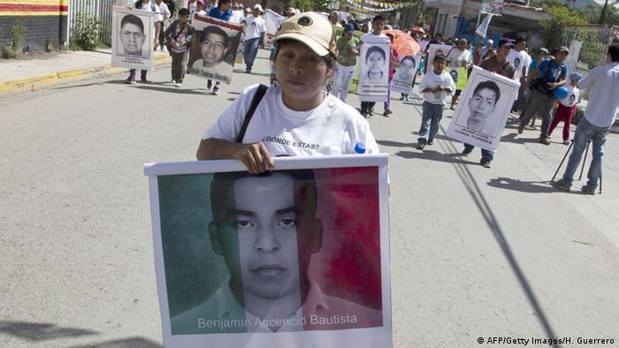 Mexiko Protest der Eltern der ermordeten Studenten