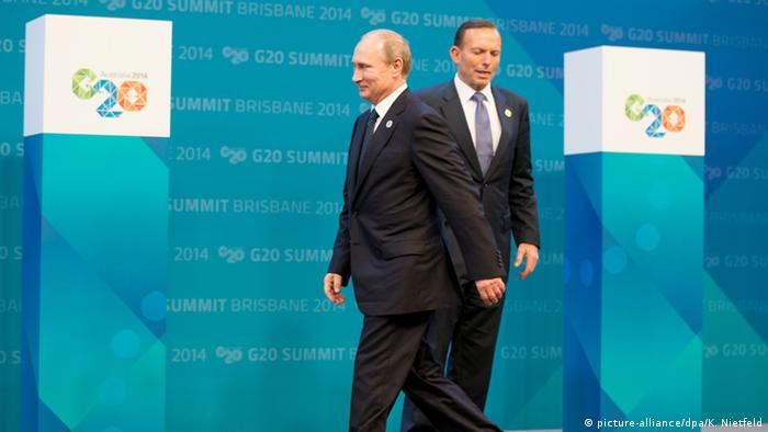 Президент РФ Владимир Путин и премьер-министр Австралии Тони Аббот на саммите G20 в Брисбене
