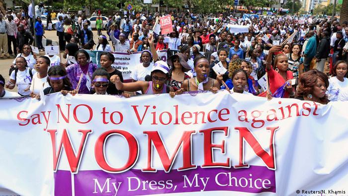 Demo gegen Gewalt gegen Frauen in Nairobi 17.11.2014