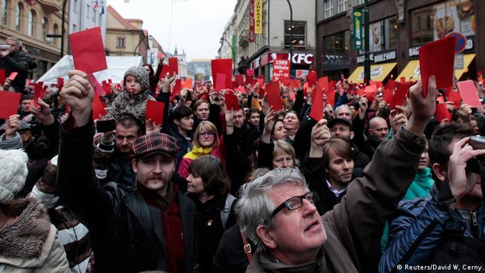 Protesten bei Gedenken an Samtene Revolution in Prag (Foto: Reuters)