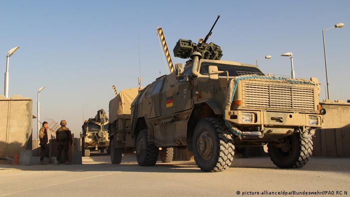 Ein Dingo des Konvois der Bundeswehr aus Kundus fährt am 19.10.2013 in das Camp Marmal bei Masar-i-Sharif ein. (Foto: Bundeswehr/PAO RC N)