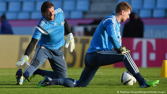 Roman Weidenfeller und Ron-Robert Zieler beim Training in Vigo. Foto: Getty Images