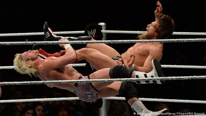 WWE WrestleMania Revenge Tour 2013