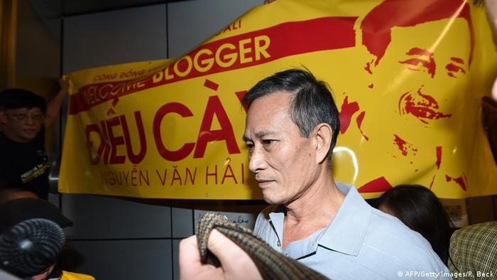 Nguyen Van Hai Dissident aus Vietnam Empfang in Los Angeles 21.10.2014