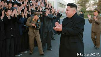 North Korean leader Kim Jong Un visits the Korean People's Army's (KPA) February 20 Factory, which produces foodstuff, in this undated photo released by North Korea's Korean Central News Agency (KCNA) in Pyongyang on November 15, 2014 (Photo: REUTERS/KCNA (NORTH KOREA)