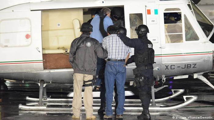 Symbolbild Mexiko Polizei und Drogenbanden