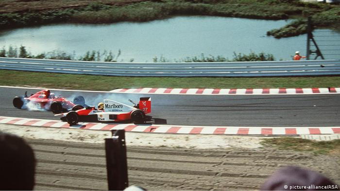 Suzuka 1990 Alain Prost and Ayrton Senna crash