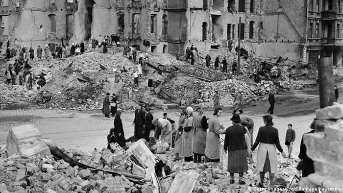 TrümmerfrauenBerlin 1945 Deutschland Zweiter Weltkrieg