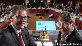 Bundesumweltministerin Barbara Hendricks (SPD) und BundesentwicklungsministerGerd Müller (Foto: Rainer Jensen/dpa).
