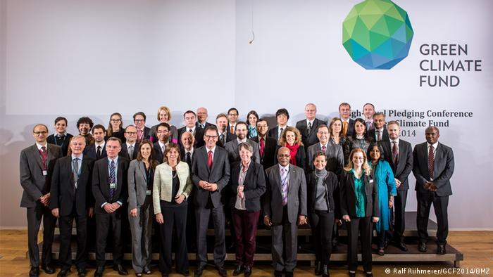 Gruppenbild der Green Climate Fund Konferenz in Berlin (Foto: Ralf Rühmeier).
