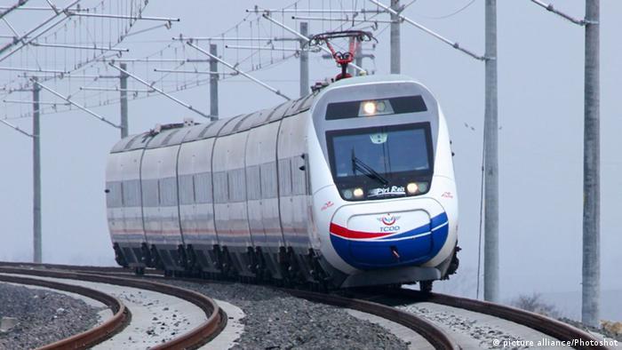 Hochgeschwindigkeitszug (CRCC) (picture alliance/Photoshot)