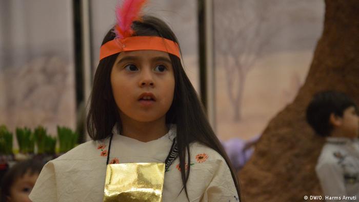 Durante los festejos del día del niño en Bonn, muchos pequeños portaron la vestimenta tradicional de sus países de origen. En Perú, de donde es originalmente la madre de Saya, la vestimenta varía, debido a la diversidad climática y la identidad única de cada ciudad.