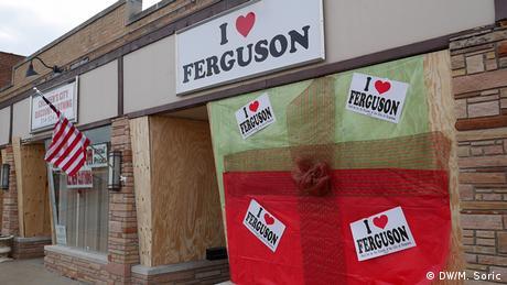 USA Bildergalerie Ferguson die Stadt wo Michael Brown erschossen wurde