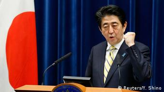 Japan's Prime Minister Shinzo Abe attends a news conference at his official residence in Tokyo November 21, 2014 (Photo: REUTERS/Yuya Shino)