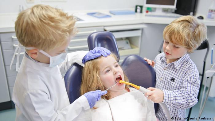 نصائح لتشجيع أطفالك تنظيف أسنانهم 0,,18078587_303,00.j