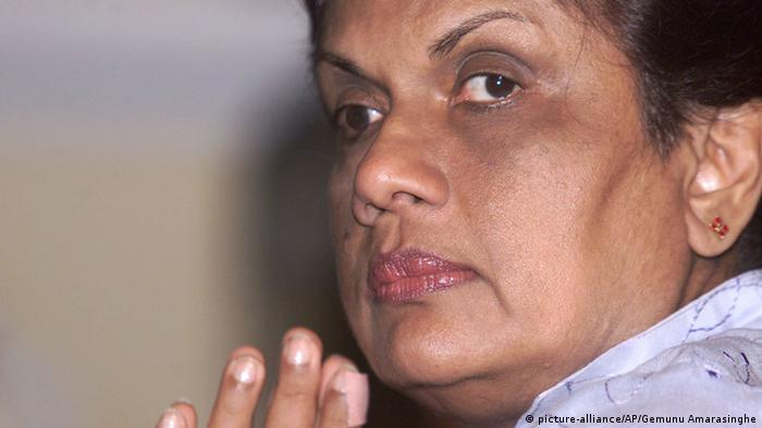 Sri Lanka ehemalige Präsidentin Chandrika Kumaratunga (picture-alliance/AP/Gemunu Amarasinghe)