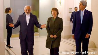مذاکرات ایران و ۵+۱ بر سر دستیابی به توافق جامع تا ۲۴ نوامبر ادامه مییابد