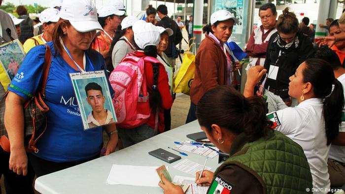 A su llegada, las mujeres recibieron una visa temporal otorgada por el Instituto Nacional de Migración en México. Con ella podrán transitar libremente por el país durante los 18 días del recorrido. Este se realizará por diez estados de la República Mexicana.