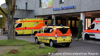 The clinic in Delmenhorst with ambulances parked out front