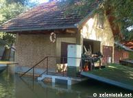 Poplava uključena u cijenu vikendice