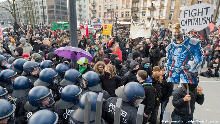 Blockupy Demonstration ECB Frankfurt 22.11.2014