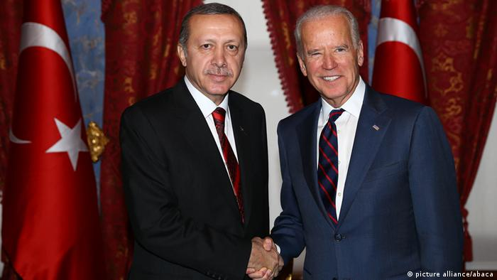 Arşiv - Cumhurbaşkanı Erdoğan ve dönemin ABD Başkan Yardımcısı Biden, İstanbul Beylerbeyi Sarayı'nda bir araya gelmişti (22.11.2014)