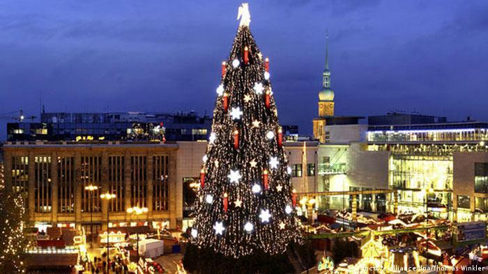 Größter Weihnachtsbaum in Deutschland Dortmund Weihnachtsmarkt