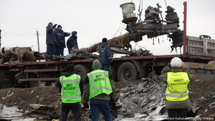 Ukraine Bergung von Wrackteilen Flug MH17