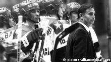 Eishockey-Trainer Viktor Tichonow 1985