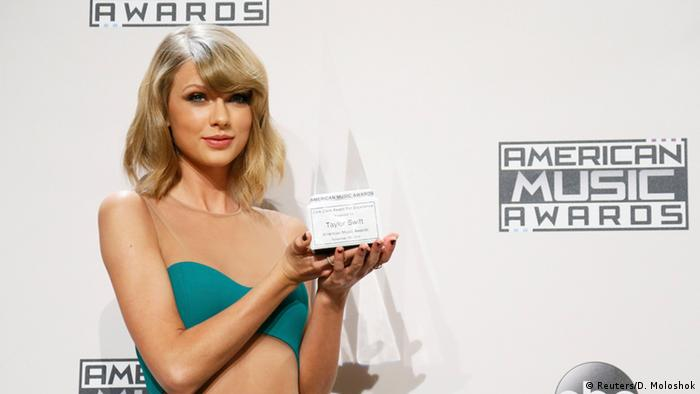 American Music Awards 23.11.2014 Taylor Swift