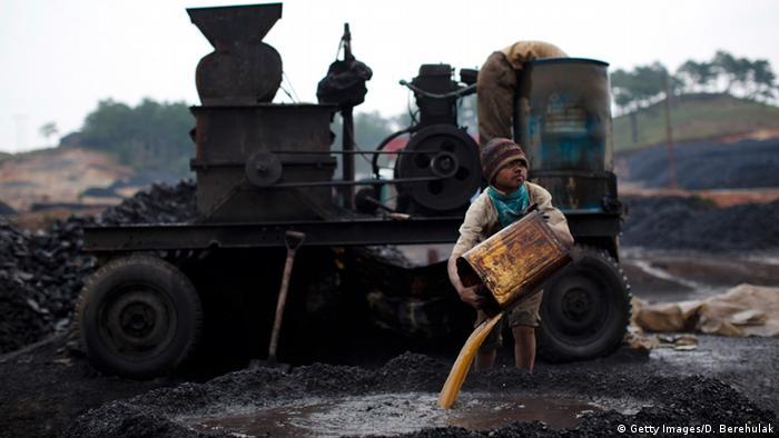 Symbolbild Asien Kinderarbeit Indien (Getty Images/D. Berehulak)