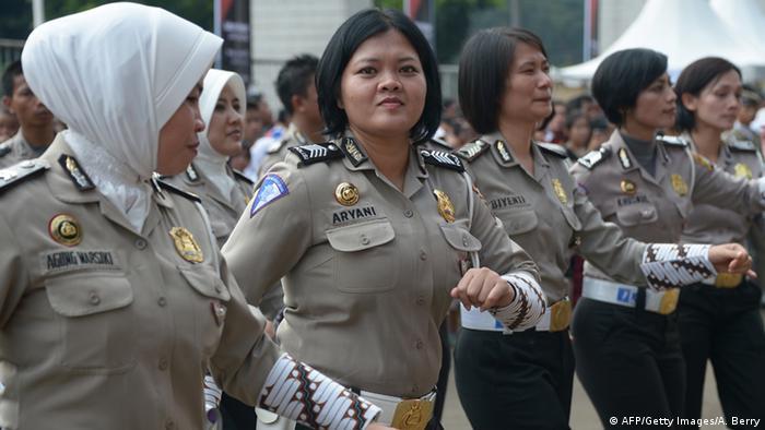 Indonesische Polizistinnen Archiv 2013