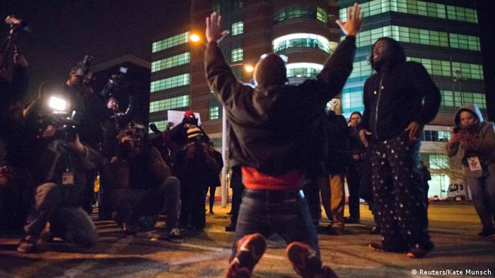 Ferguson - Protest St. Louis County Courthouse 24.11.2014