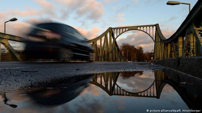 BdT Deutschland Berlin Glienicker Brücke vor Vollsperrung